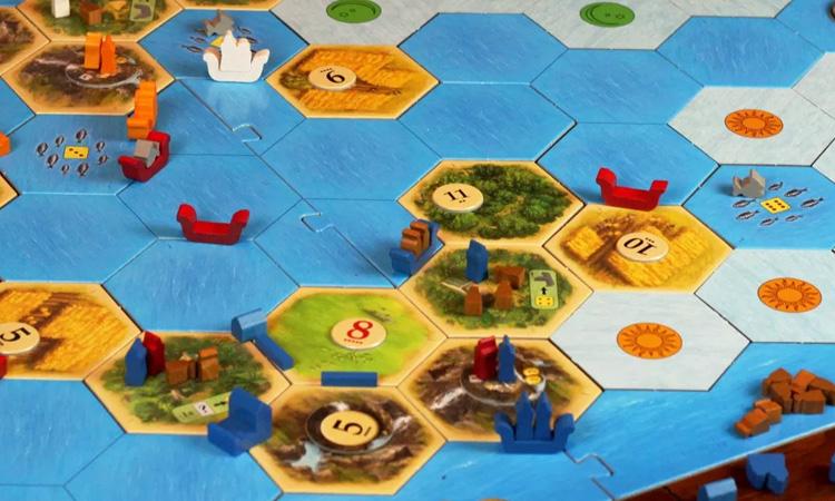 Expansión del Catán con Barcos y Piratas